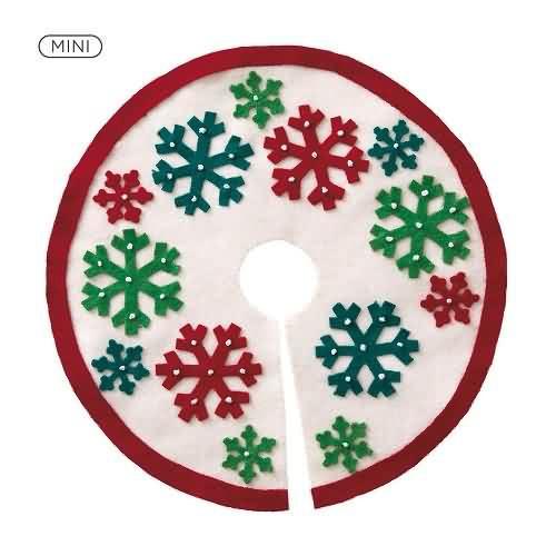 2020 Miniature Snowflake Tree Skirt Hallmark ornament (QSB6244)