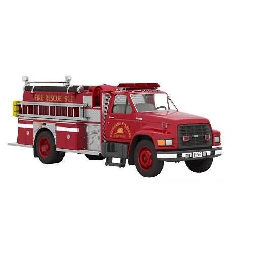2020 Fire Brigade #18 - 1966 Ford F-800 Fire Engine Hallmark ornament (QXR9254)