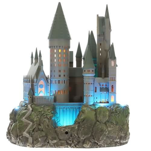 2020 Hogwarts Castle Tree Topper (QXI6234)