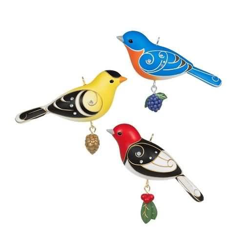 2020 Outdoor Bird Ornament Set Hallmark ornament (QGO1934)