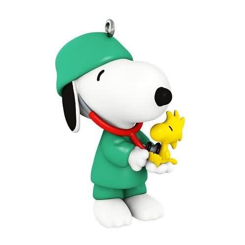 2020 Spotlight on Snoopy - Doctor Snoopy (QXR9194)