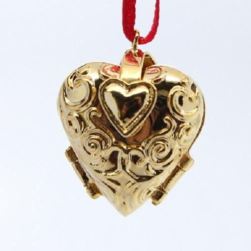 2003 Charming Hearts #1 - Colorway (QXM4939C)