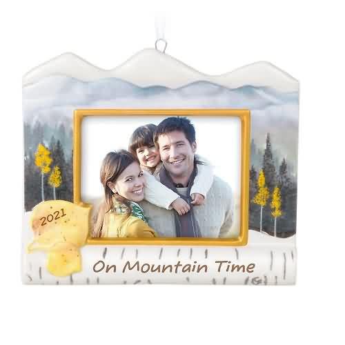 2021 On Mountain Time Photoholder Hallmark ornament (QHX4092)