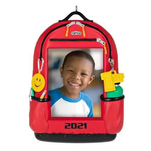 2021 Backpack Of Memories Hallmark ornament (QGO2265)
