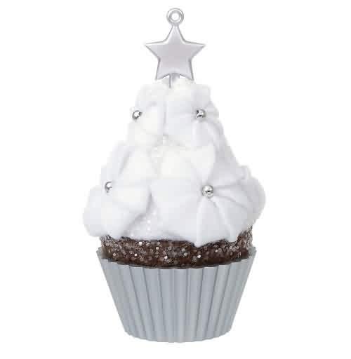 2021 Christmas Cupcakes #12 - Star-Tipped Sweetness Hallmark ornament (QXR9122)