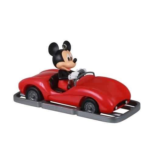 2021 Disney - Futuristic Freeway to Fun Autopia Hallmark ornament (QXD6422)