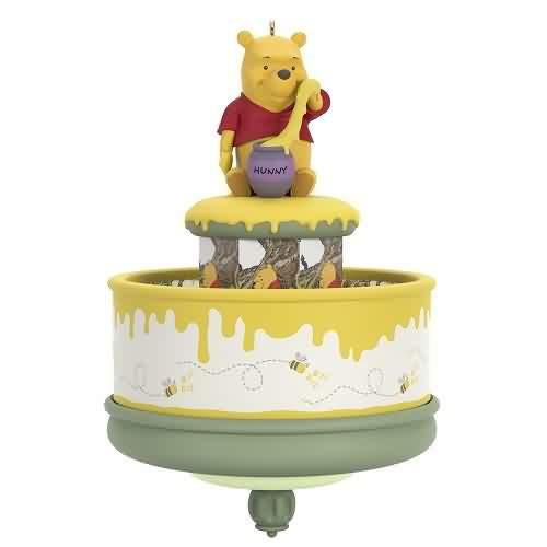 2021 Disney - Winnie The Pooh and  Honey Tree 55 Ann Hallmark ornament (QXD6465)