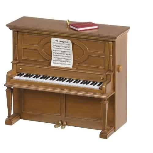 2021 Oh Happy Day - Piano Hallmark ornament (QSM7862)