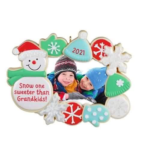 2021 The Sweetest Grandkids Hallmark ornament (QGO2062)