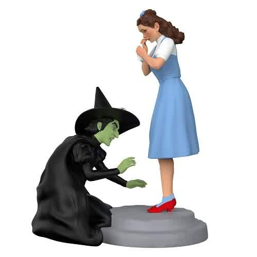 2021 Wizard of Oz - Give Me Back My Slippers Hallmark ornament (QXI7142)