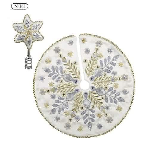 2021 Mini Tree Topper and Skirt - Elegant Hallmark ornament (QSB6165)