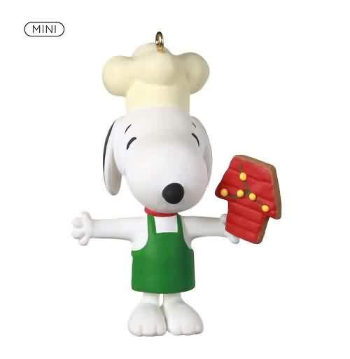 2021 Peanuts - Baker Snoopy - Mini Hallmark ornament (QXM8292)