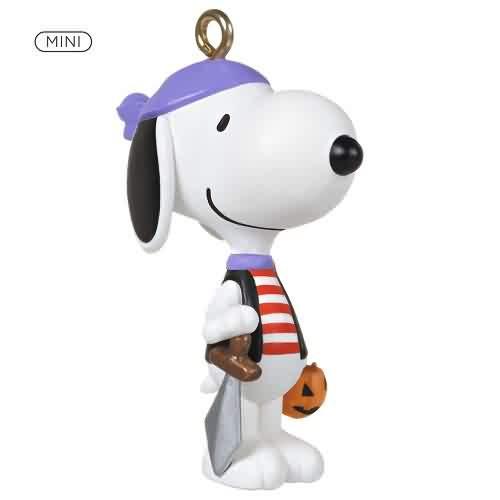 2021 Pirate Snoopy - Peanuts Gang Hallmark ornament (QFO5295)