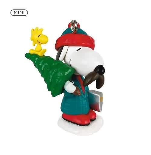2021 Winter Fun With Snoopy #24 - Lumberjack Hallmark ornament (QXM8252)