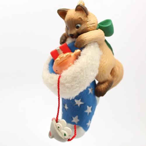 2003 Mischievous Kittens #5 Hallmark ornament