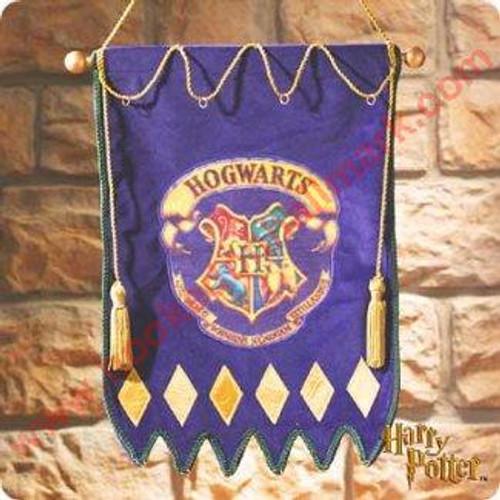 2000 Harry Potter - Hogwarts Crest Banner (QXE4411)