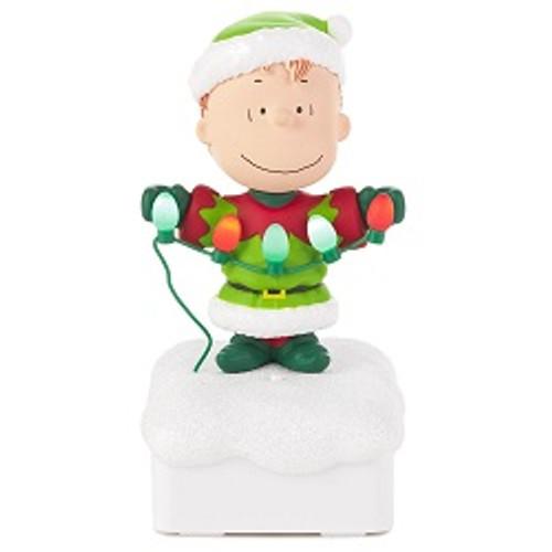 2015 Peanuts Gang Light Show - Linus
