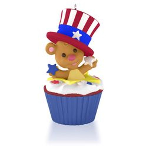 2015 Keepsake Cupcake #12 - Star-Spangled Bear