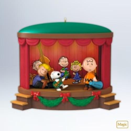 2012 Peanuts - Onstage Antics