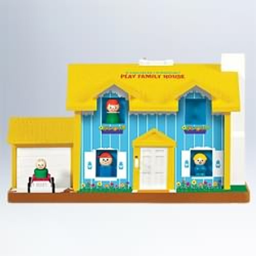 2011 Fisher Price - Play Family House