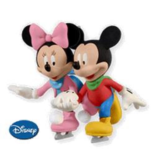 2010 Disney - Skating Side By Side