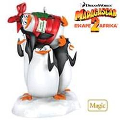 2010 Super Spy Penguins - Madagascar