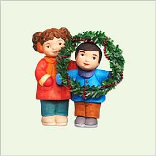 2005 Little Helpers - Wreath