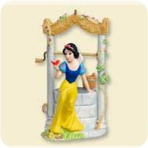 2007 Disney - Snow White Wishing Well