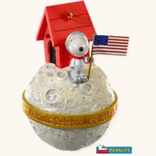 2008 Peanuts - Snoopy Nasa