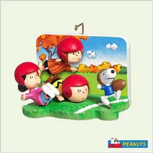 2005 Peanuts - Touchdown Snoopy!