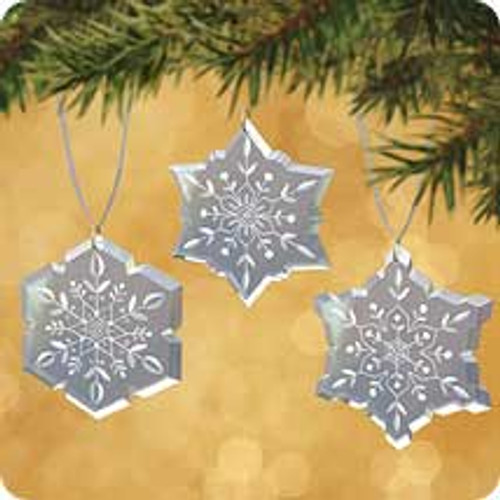 2002 Snowflakes Hallmark ornament