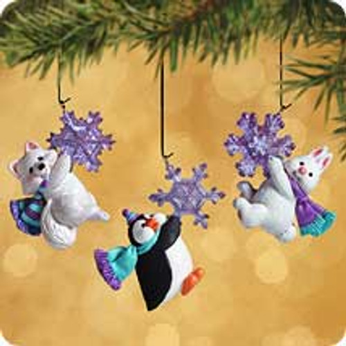 2002 Woodland Frolic Hallmark ornament