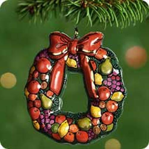 2001 Wreath Of Evergreens Hallmark ornament