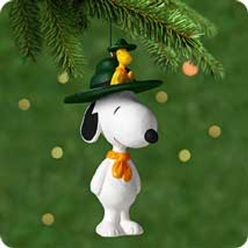 2001 Spotlight On Snoopy #4 - Beagle Scout Hallmark ornament