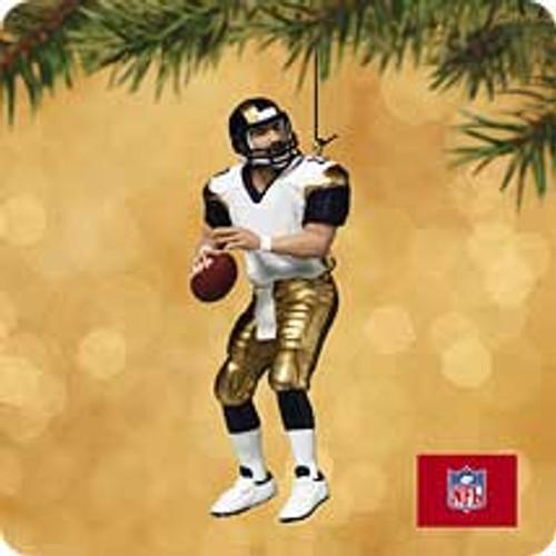 2002 Football #8 - Kurt Warner Hallmark ornament