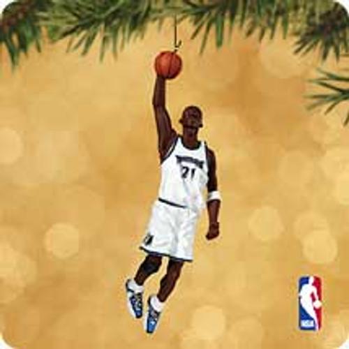 2002 Hoop Stars #8 - Kevin Garnett Hallmark ornament