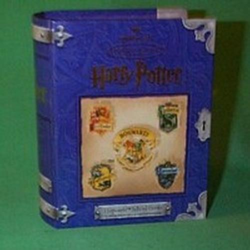 2001 Harry Potter - Hogwarts School Crests Hallmark ornament