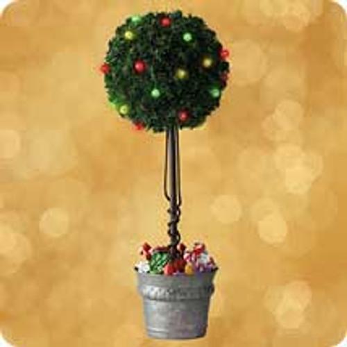 2002 Sugar Plum Tabletop Topiary