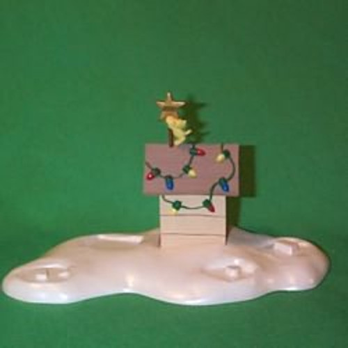 2000 Peanuts - Doghouse Hallmark Ornament