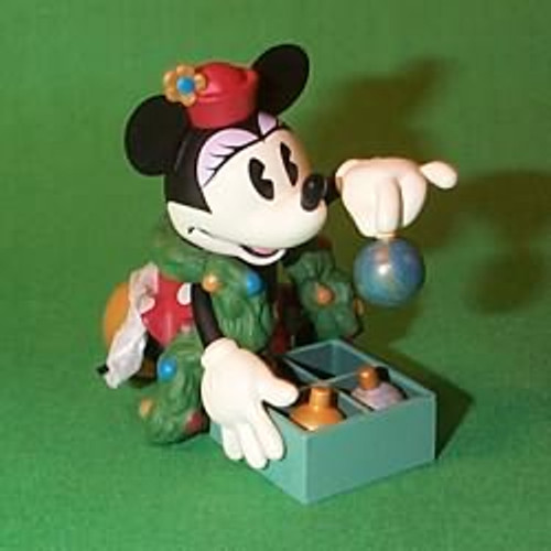 1999 Disney - Minnie Trims The Tree