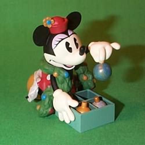 1999 Disney - Minnie Trims The Tree