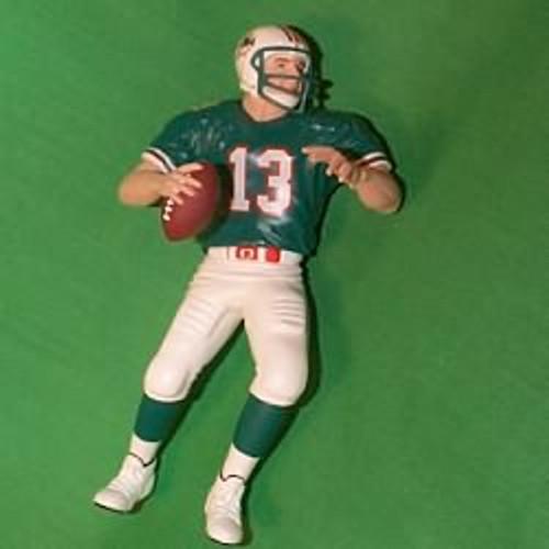1999 Football #5 - Dan Marino