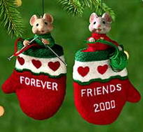 2000 Close-Knit Friends Hallmark Ornament