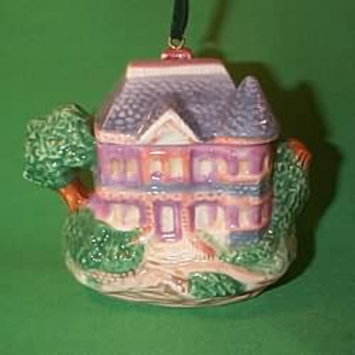1995 Victorian Home Teapot