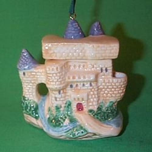 1995 European Castle Teapot