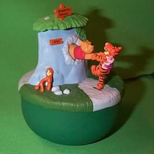 1995 Winnie The Pooh - Lighted