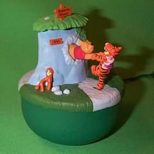 1995 Winnie The Pooh - Lighted