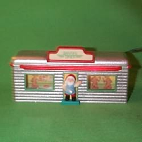 1995 Santa's Diner - Light