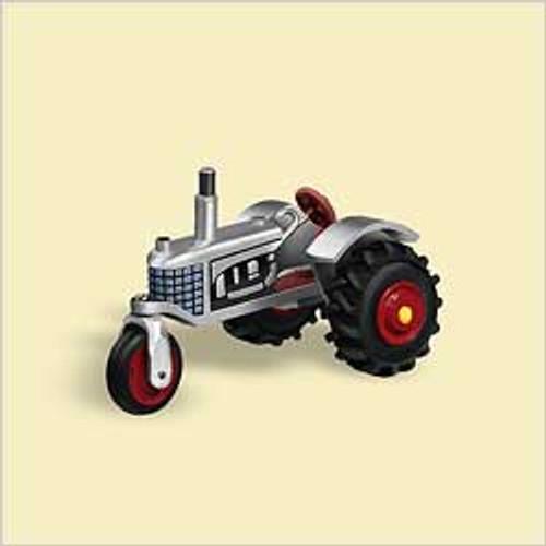 2006 Antique Tractors #10F