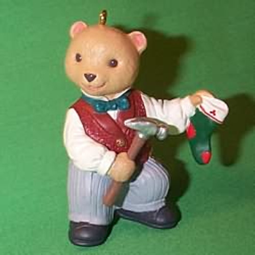 NEW IN BOX 2014 HALLMARK KEEPSAKE CHRISTMAS ORNAMENTS BIG TOP BEAR TIN TOYS